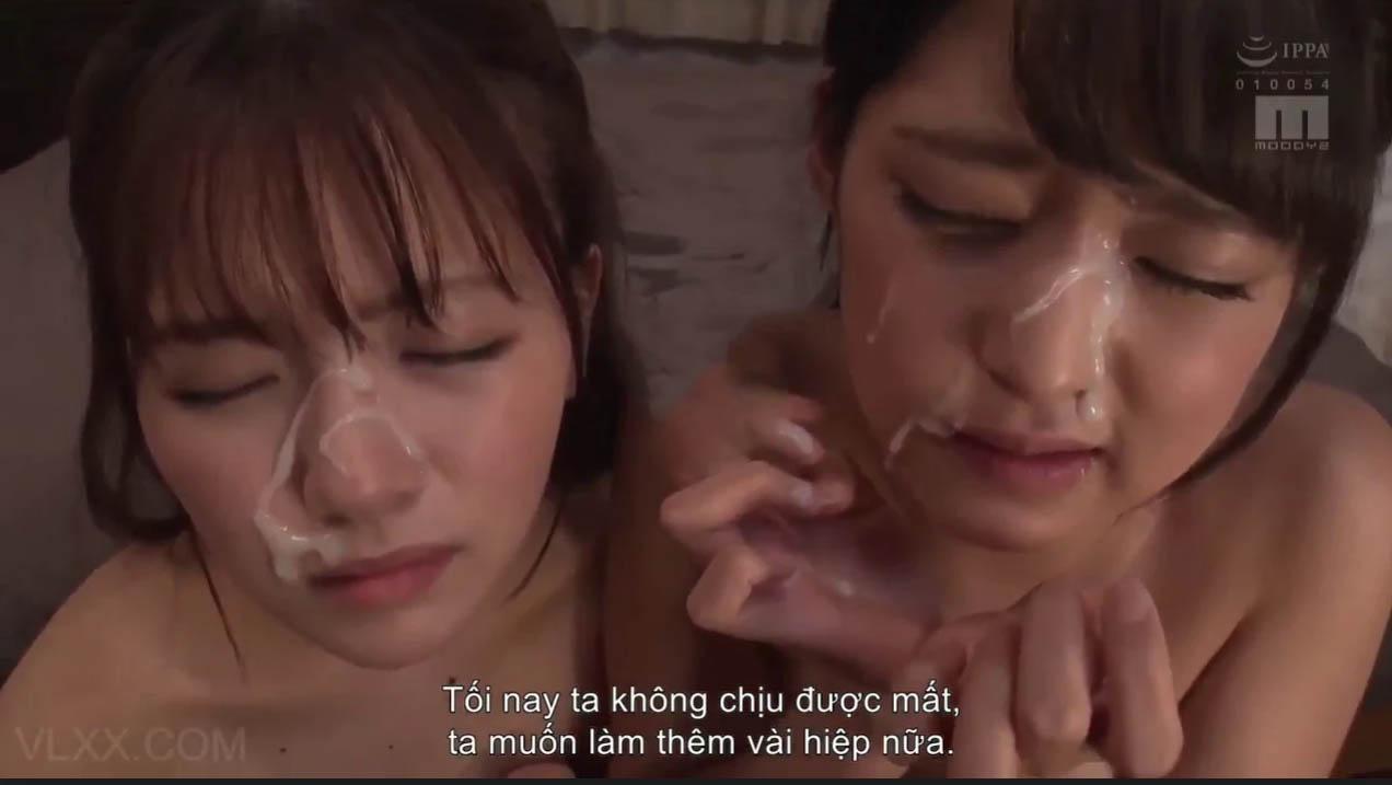 Phim sex loạn luân cha dượng địt hai con gái xinh 12