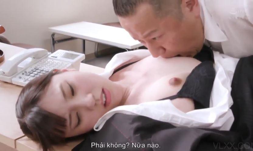 Phim sex văn phòng địt vợ xinh đẹp của nhân viên 12